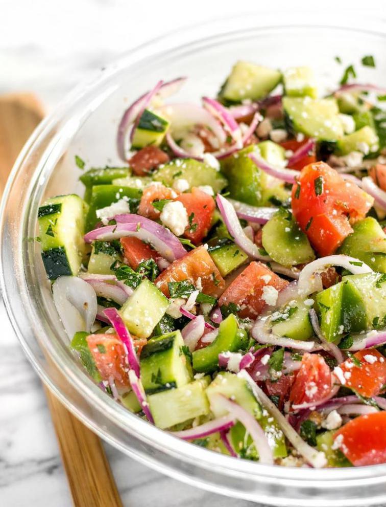 Зимний салат из свежих огурцов