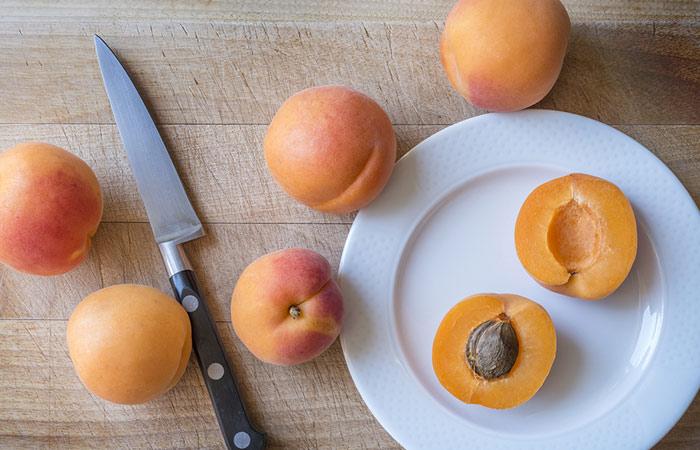 половинки абрикоса
